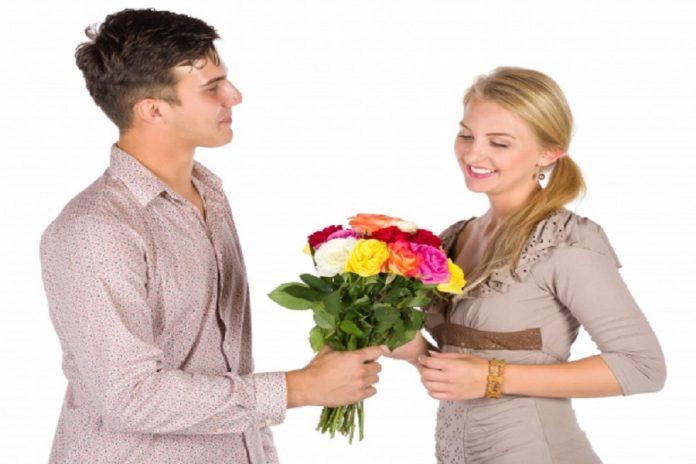 Offrir des fleurs pour faire plaisir à un proche